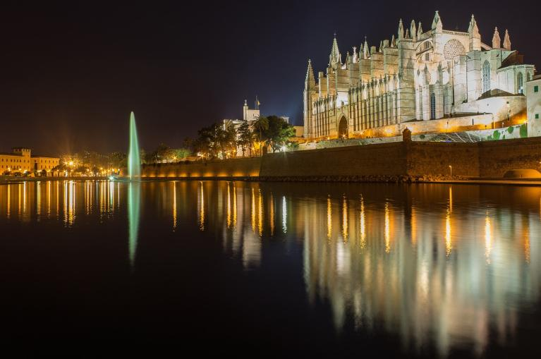 Palma de Mallorca Cathedral at night