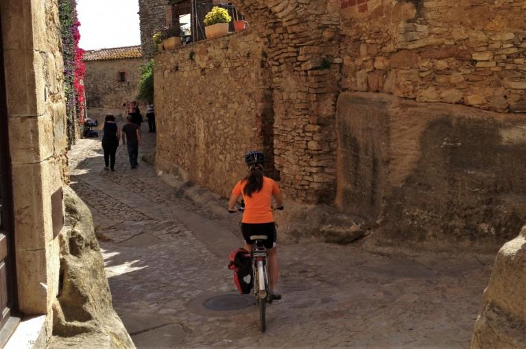 Cyclist in Peratallada